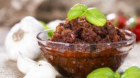 pesto-di-pomodori-secchi-e-mandorle